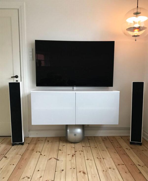 væghængt tv-møbel