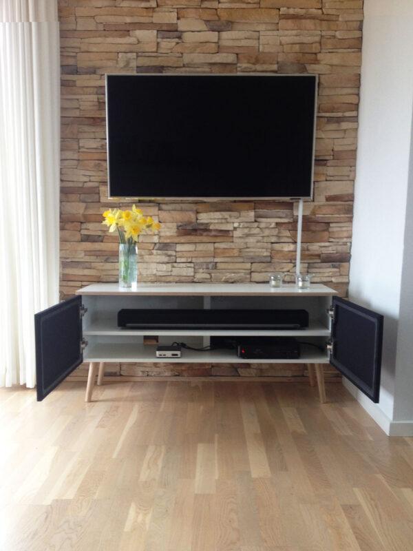 tv bord på ben til soundbar