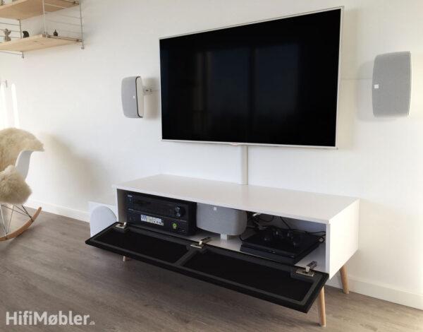 tv møbel med stoflåge